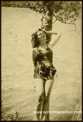 Mama bathing beauty 1940s www
