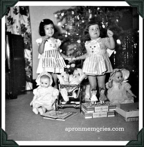Jennifer Utter and sister Nancy xmas 1954 www)
