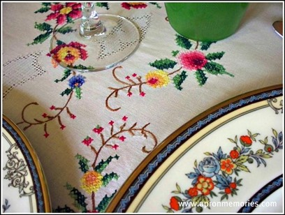 table cloth closeup www (Small)