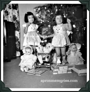 Jennifer-Utter-and-sister-Nancy-xmas-1954